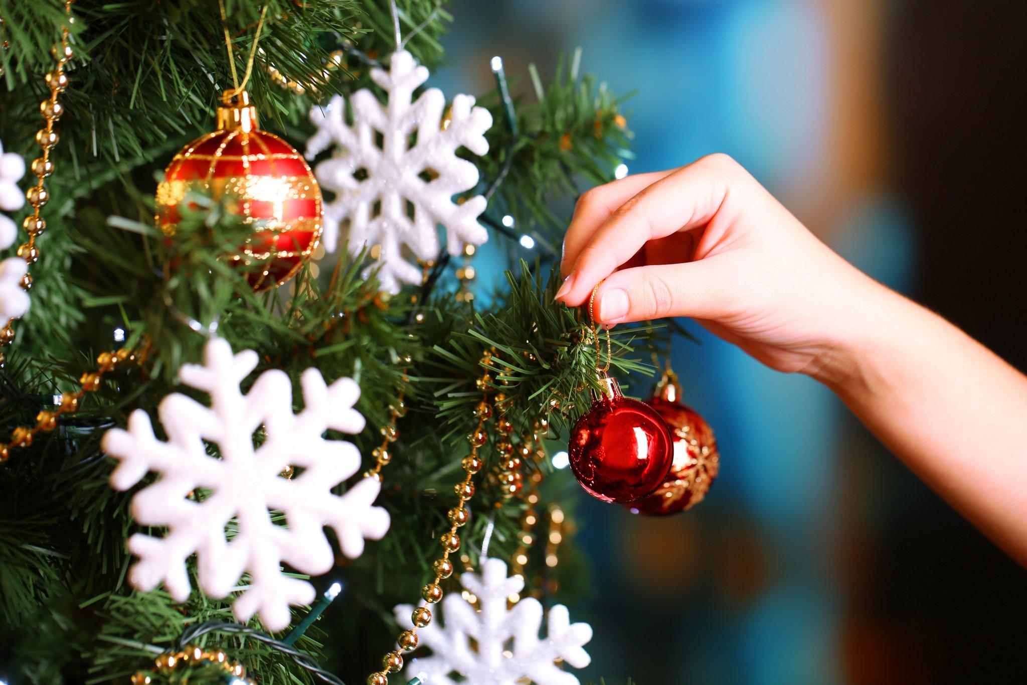 insurance, horst insurance, holiday decorating, decorating, holiday safety