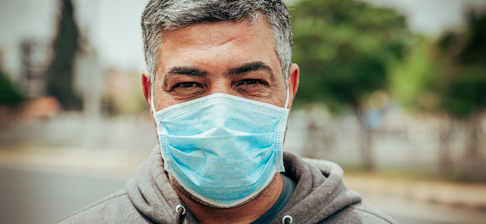Man wearing a protective mask